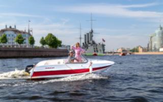 Аренда катера: особенности и преимущества